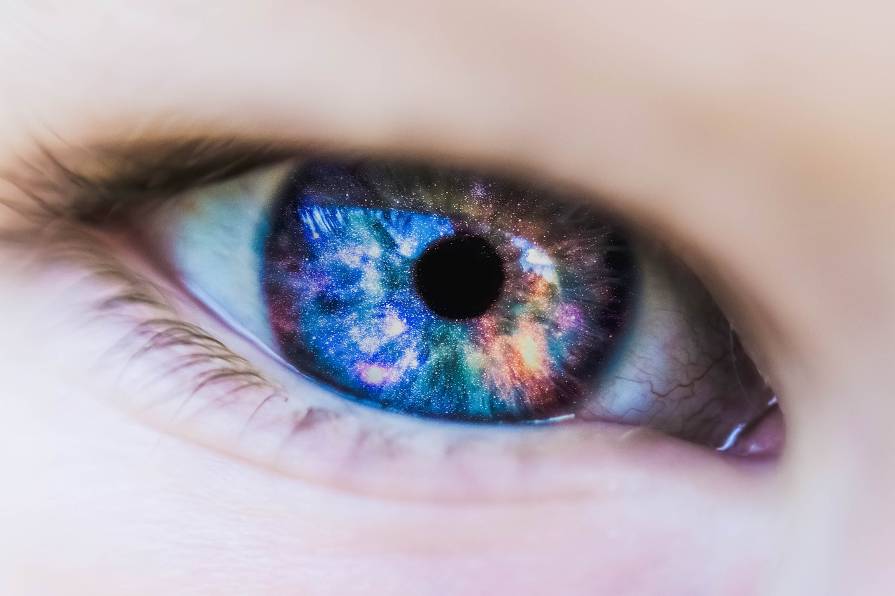 会話で視線のやり場に困った時の対処方法